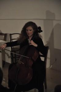 Claire Menguy au violoncelle